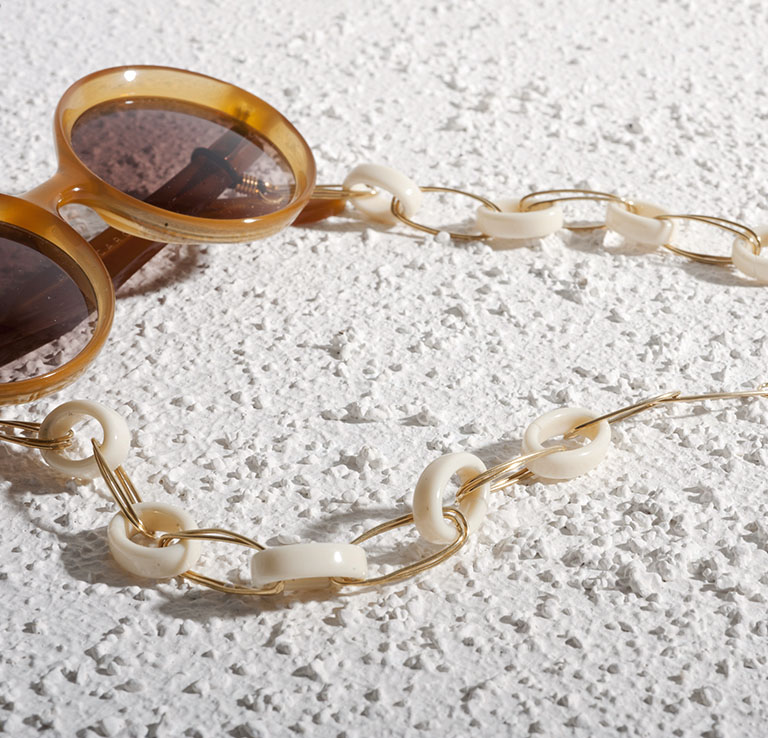 Glasses necklaces